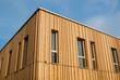 Leinwanddruck Bild - Holzhaus mit Holzfassade – Modern House with wooden Facade