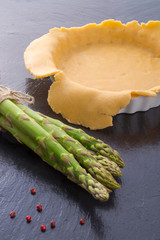 green asparagi Tart preparation