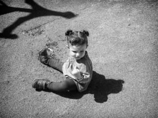 Sentada en el parque