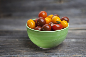 Small tomatoes full of colors