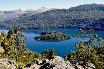 Mirador de la Isla Corazón en el Lago Mascardi (Bariloche)