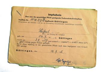 Historischer Impfschein