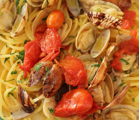 Spaghetti alle vongole veraci   -  spaghetti with clams