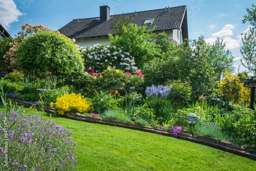 Fotobehang Tuin Gartenanlage im Mai