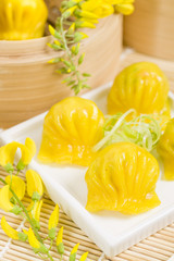 Har Gow - Chinese shrimp turmeric steamed dumplings
