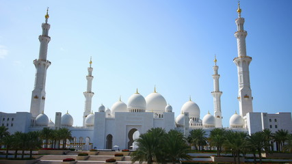4k time lapse from uae main mosque in day light