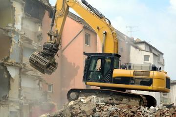 Häuserfront wird abgerissen