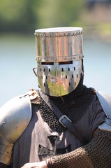 Ritter zieht sein Schwert 2