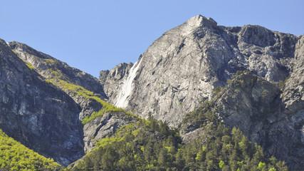 Naeroyfjord, Gebirge, Wasserfall, Sommer, Norwegen