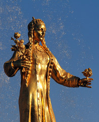 woman symbolizing Turkmenistan - part of the fountain Friendship