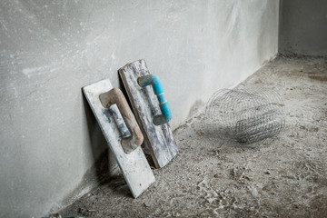 Trowel for concrete wall