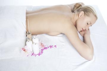 Massageplatz mit Frau
