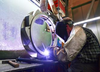 Schweißer im Stahlbau // welder in the industry