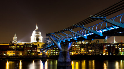 Millenium bridge and saint paul cathedral