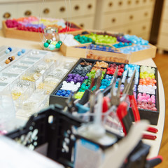 Material beim Juwelier in der Werkstatt