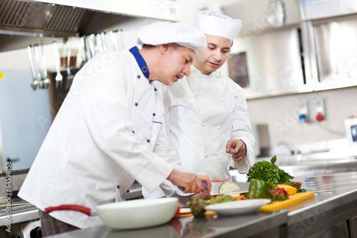 Kitchen school