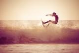 Surfing - 64601522