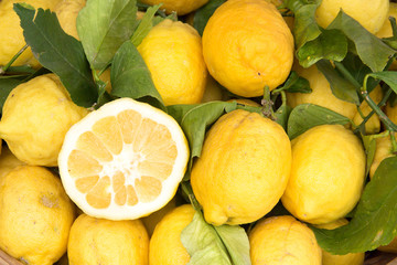 Sorrento lemons on the market