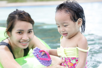 Child Safety In The Swimming Pool