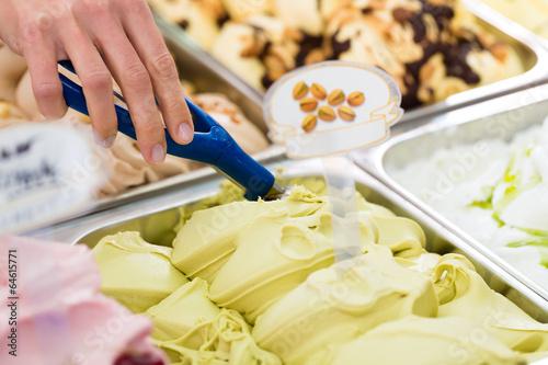 canvas print picture Eisladen oder Eisdiele mit vielen Sorten Eis