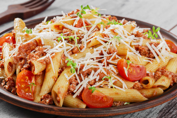 Pasta with minced meat and cheese