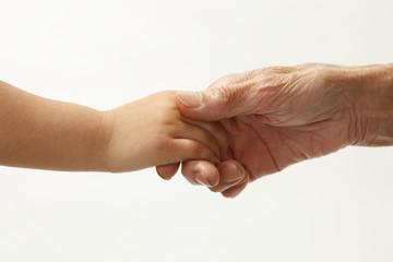 おばあちゃんと手をつなぐ