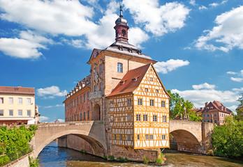 Das Alte Rathaus von Bamberg inmitten der Regnitz