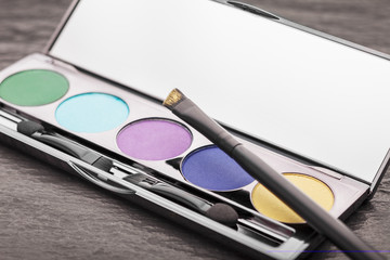 Cosmetic-Make Up: Eyeshadow Palette