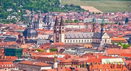 Blick auf die Innenstadt der fränkischen Großstadt Würzburg