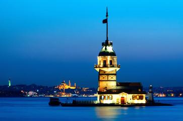 la tour de léandre à istanboul