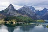 Fototapety puente cruzando el pantano de Riaño, Picos de europa