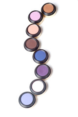 Multicolored eyeshadow chain