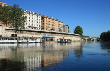 Tiber River houseboats