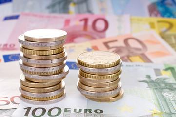 Euromünzen und Euroscheine