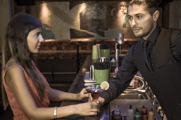 barman seduces a gorgeous woman
