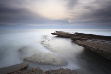 Longa exposição de paisagem marítima