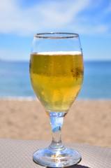 Bière en bord de plage