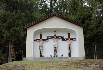 Kreuze am Kalvarienberg bei St. Jakob