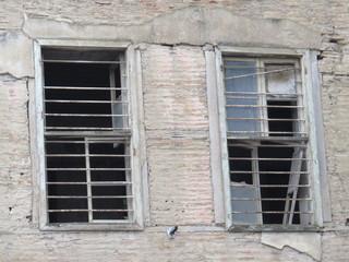 eski ev penceresi