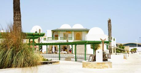 Zona de espera en el puerto de La Goulette, Túnez