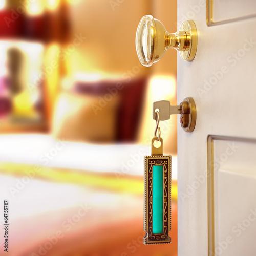 Hotel room - 64755787