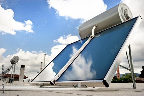 Leinwanddruck Bild Solar heater for green energy