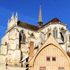 Maison à pan et abbaye d'Auxerre