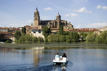 Navegando hacia la Catedral de Salamanca