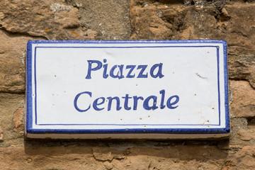 Tonda Cartello piazza centrale