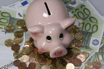 Sparschwein mit Kleingeld