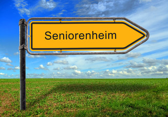 Strassenschild 17 - Seniorenheim