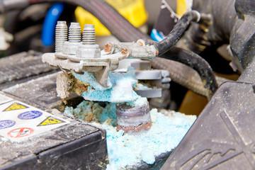 Autobatterie defekt - Sulfat am Minuspol