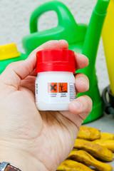 Spritzmittel mit Gefahrensymbole