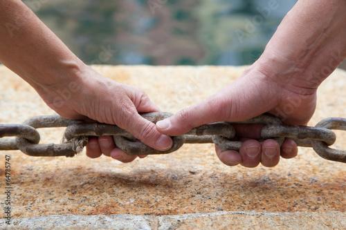 Mani e unione a catena
